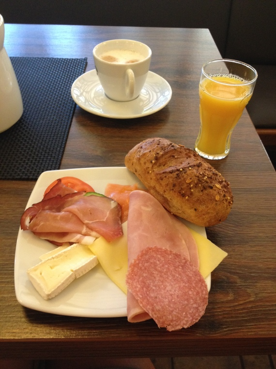 Breakfast at Altes Winzer Haus, Cochem