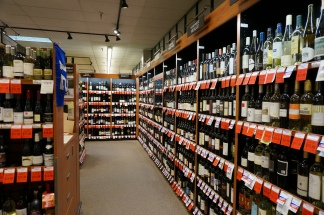 Wine department at Vashon Thriftway