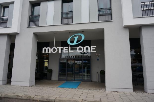 design on a budget at motel one food is travel. Black Bedroom Furniture Sets. Home Design Ideas