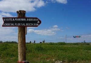 This way to the salt beds of Marinha Noeirinha