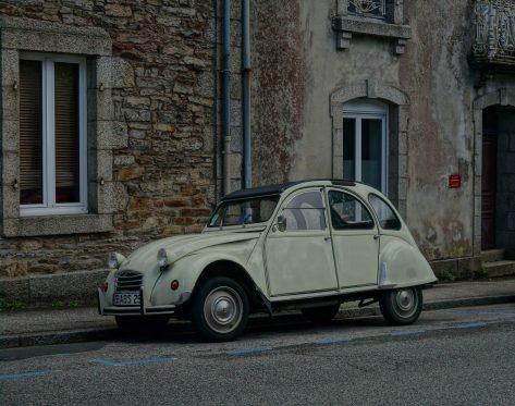 Vintage street scene in Pont Aven