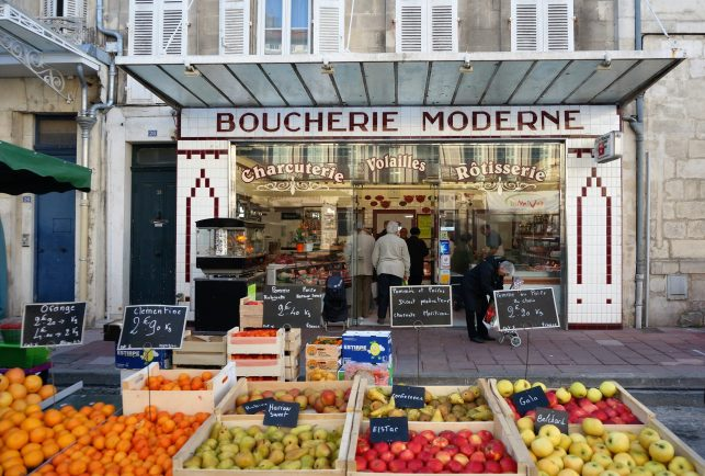 Market shopping in Rochefort