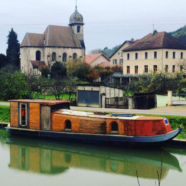 Canal barge in DeLuz